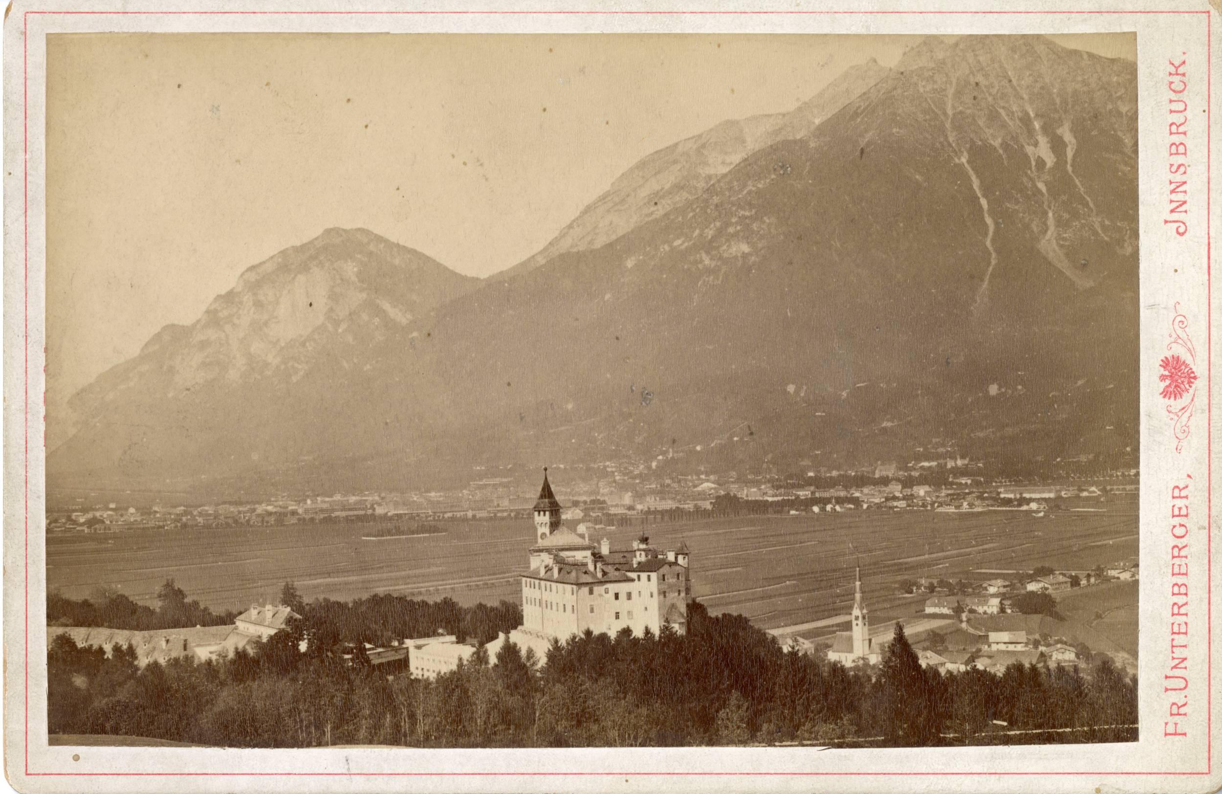 Das Uhrtürmchen Von Schloss Ambras