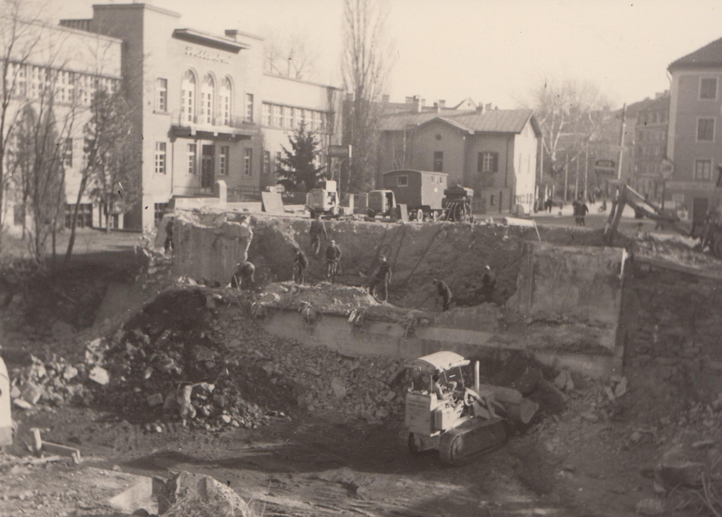 Zum Ausbau Der Amraser Straße II