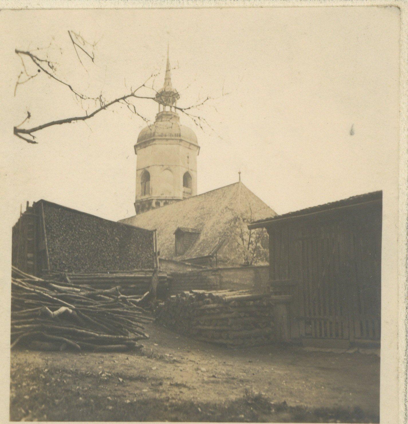 Holz Vor Der Hütte, ääh Kirche