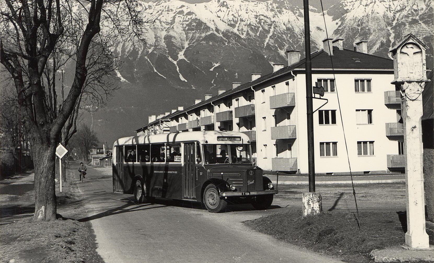 Ein Bus Mit Fühlern