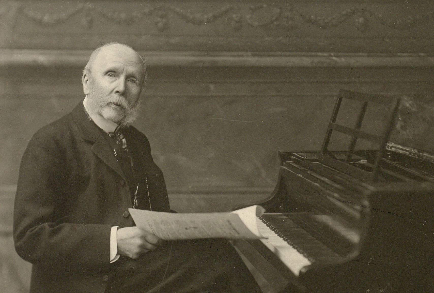 Ein Beamter Wird Komponist