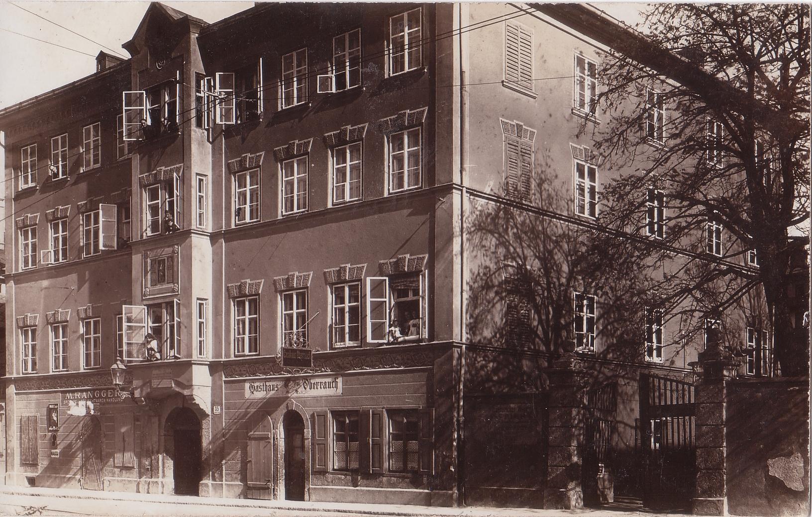 In Der Leopoldstraße 35…