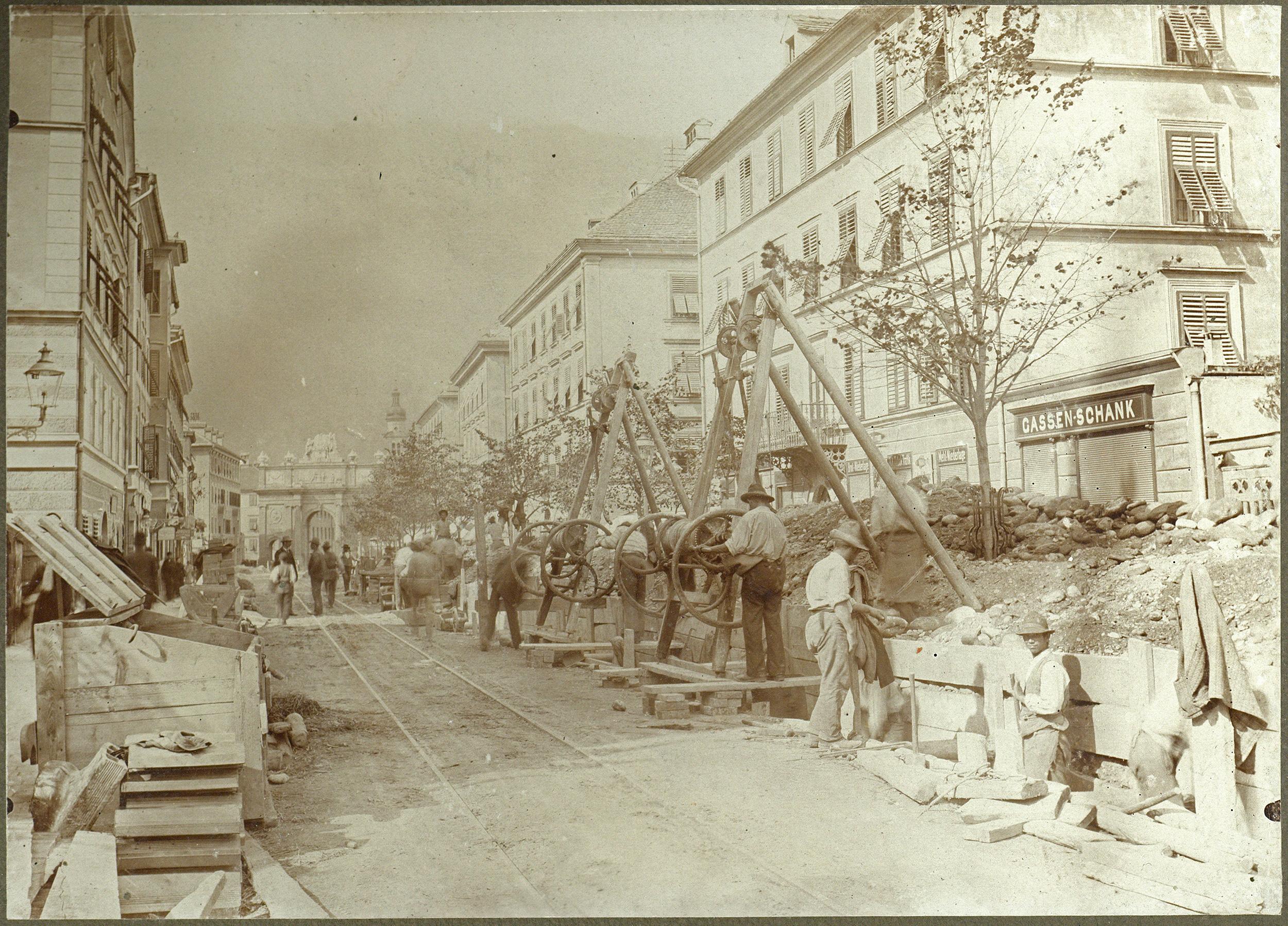 Ein Zweiter Blick In Die Leopoldstraße