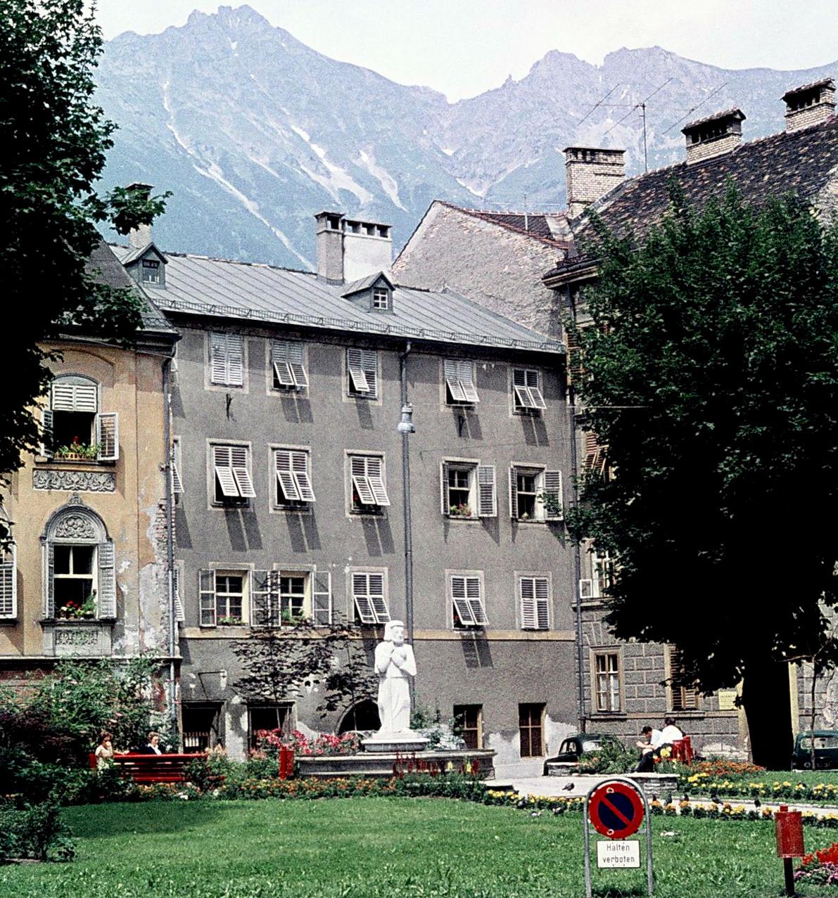 Der Heilige Am Domplatz