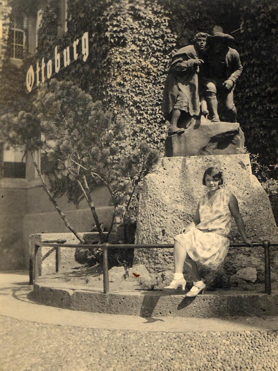 Denkmal Anno Neun