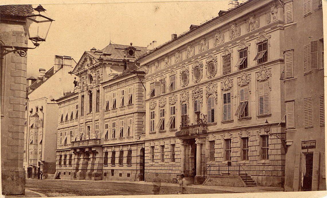 Palais Taxis