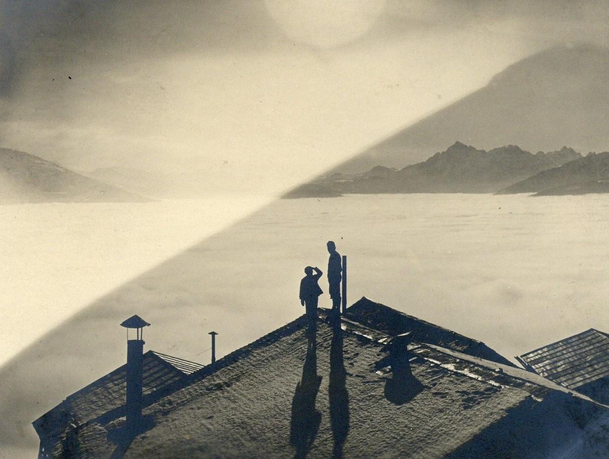 Über Dem Nebelmeer II