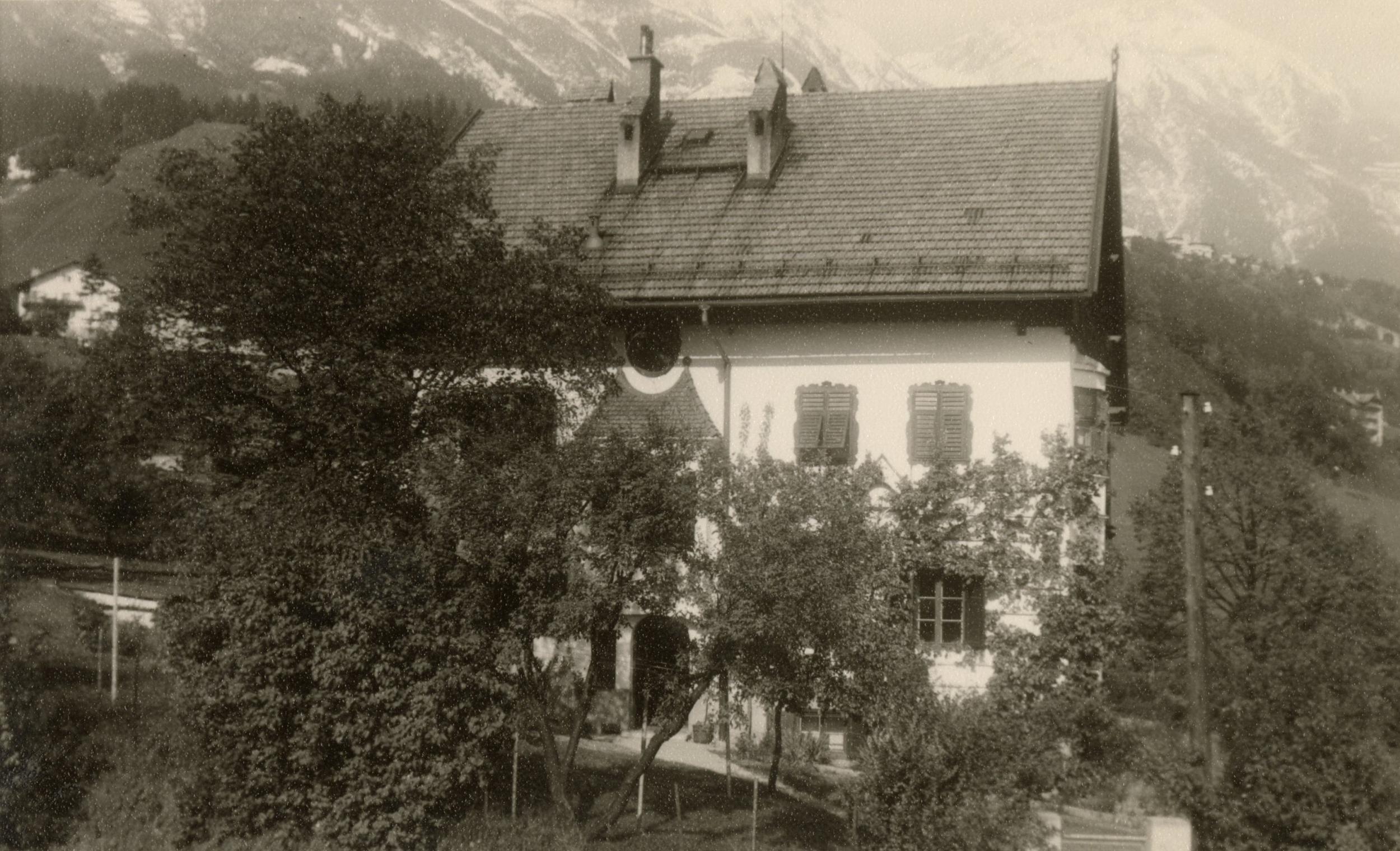 Eine Villa Im Grünen