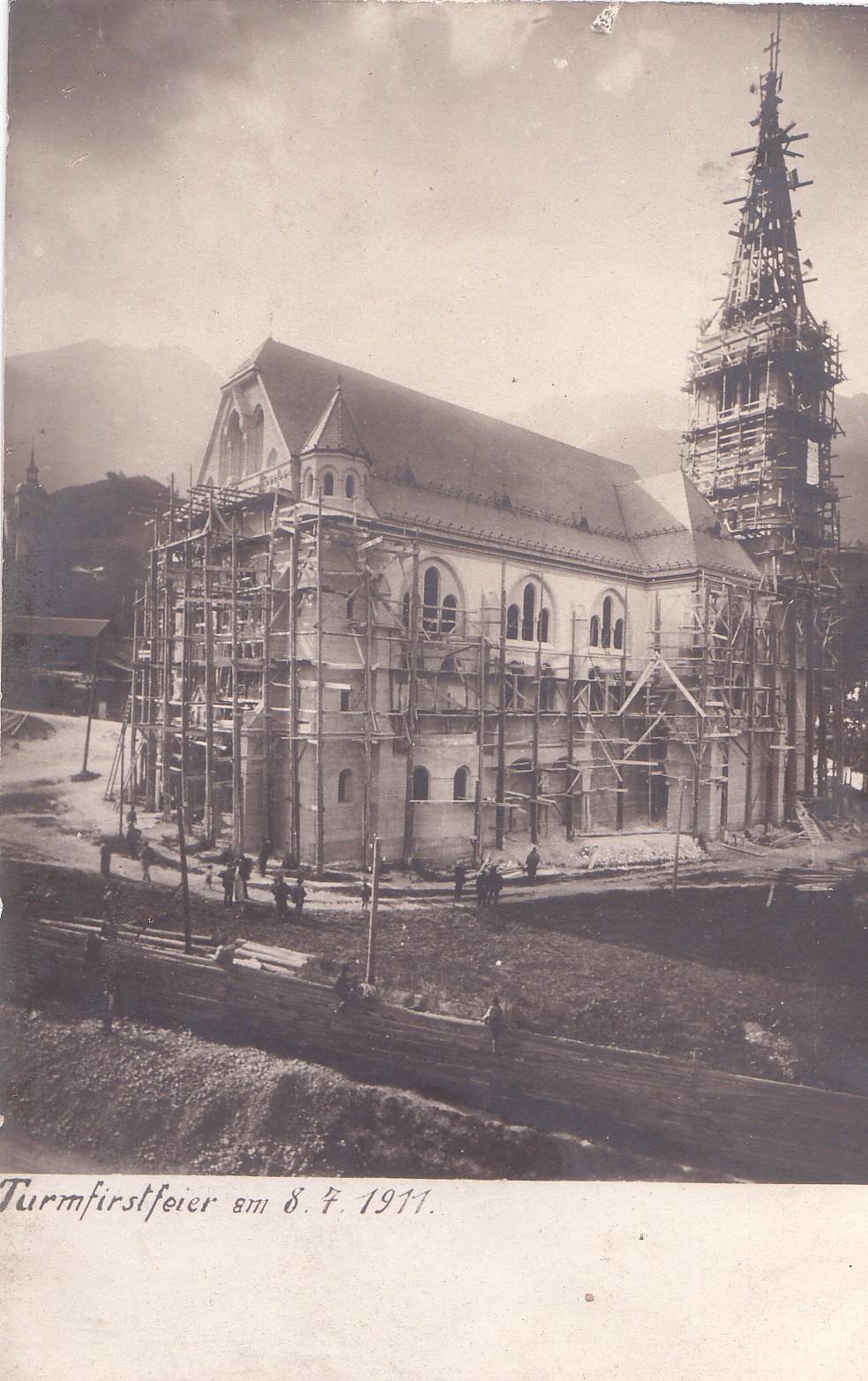 Die Turmfirstfeier Der Neuen Höttinger Kirche