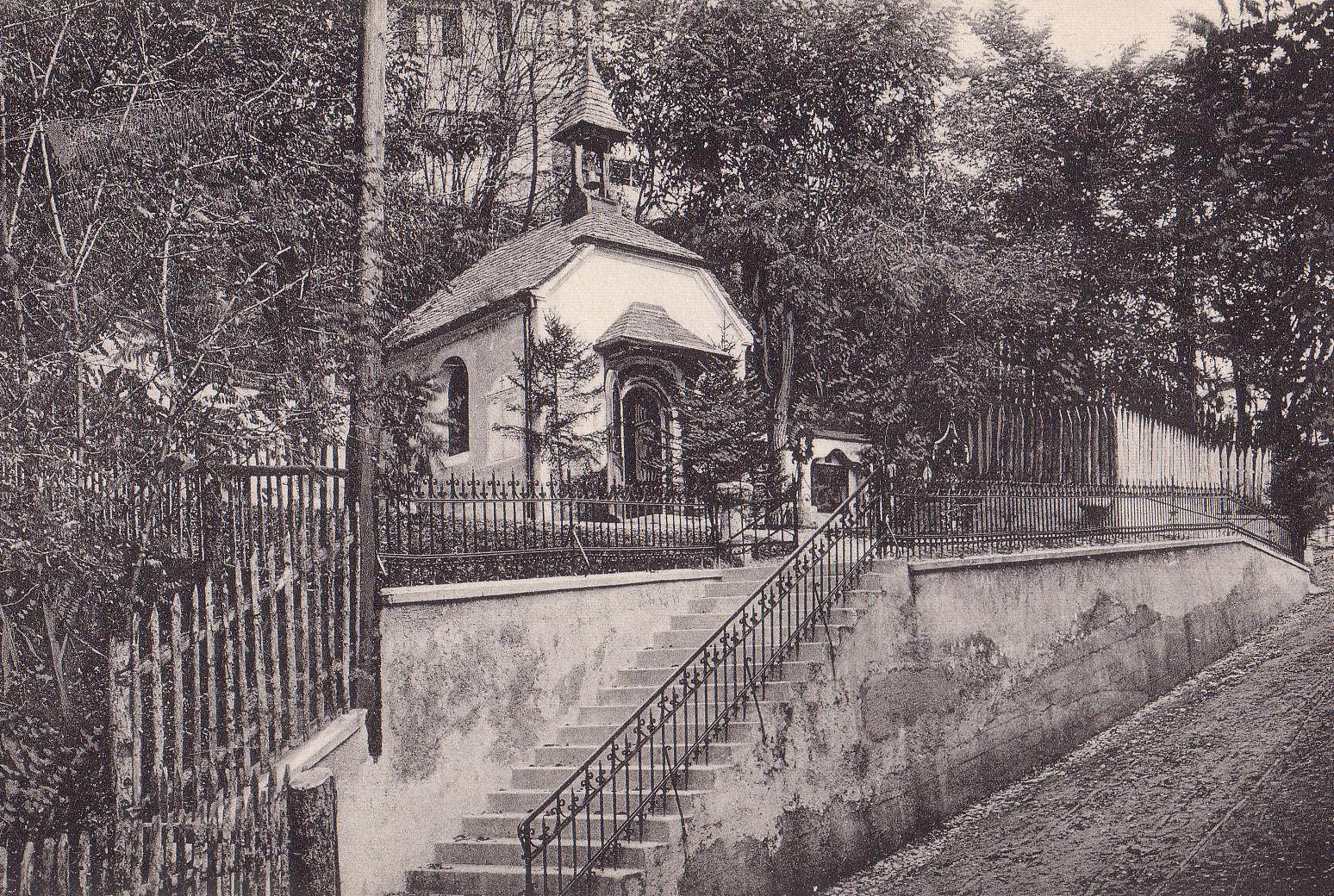 Eine Treppe Zu Einer Kapelle