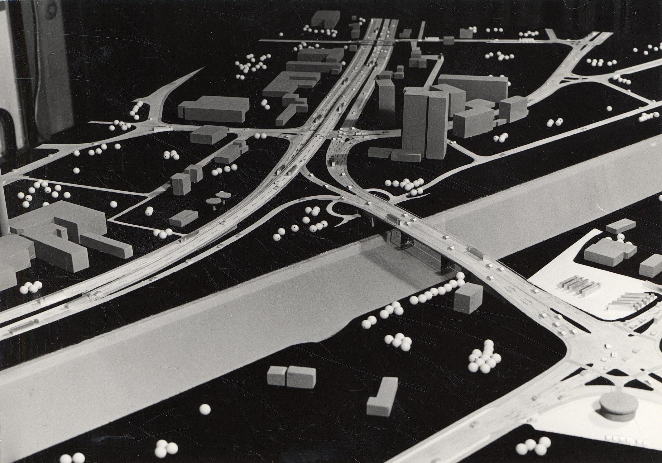 Hochbrücke Haller Straße